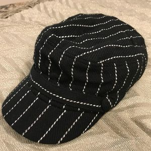 Black and white newsboy cap ALDO